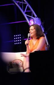 Kathleen Kennedy: viihdyttävää puhetta, ei juuri puhettakaan paljastuksista. (Kuva: Aki Jörgensen)