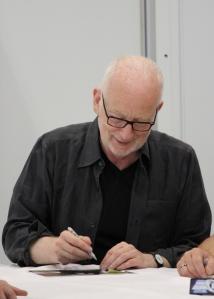 Ian McDiarmid Celebration Europen nimikirjoitustalkoissa. (kuva: Aki Jörgensen)