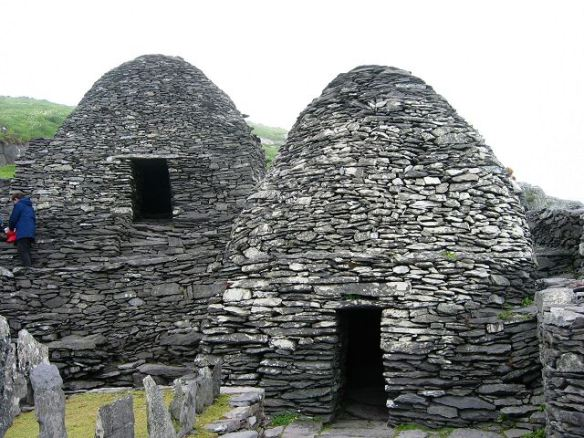 Skellig_Michael_-_cell_E_and_F