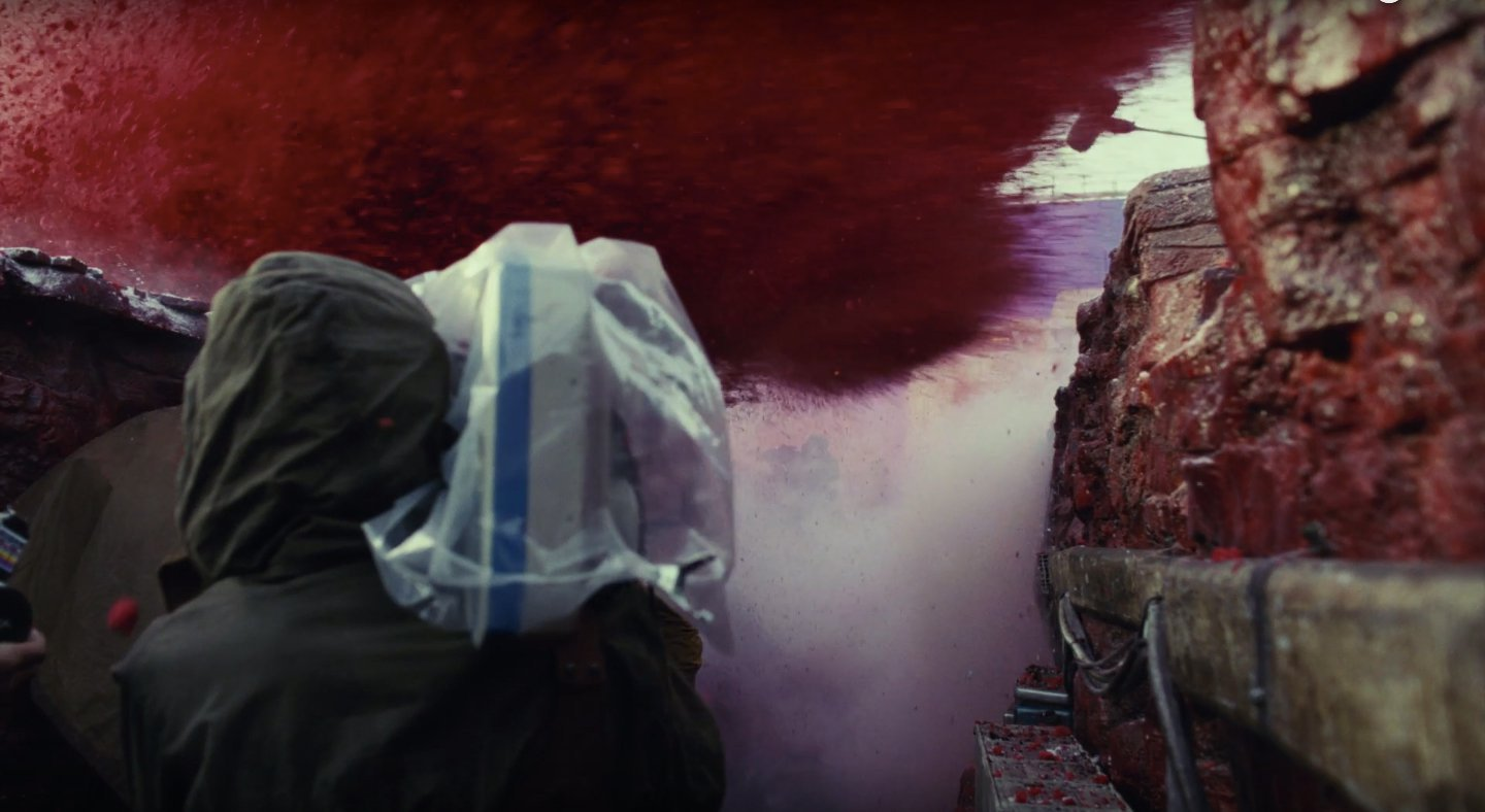 starwars-the-last-jedi-bts-redsoil-explosion